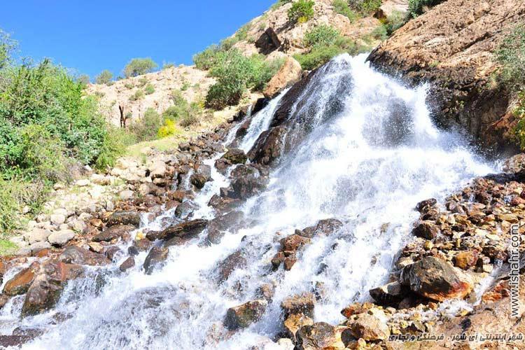 آبشار پشندگان واقع در دهستان پشتكوه روستاي پشندگان